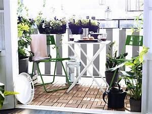 Balkonmöbel Set Für Kleinen Balkon : 77 coole ideen f r platzsparende m bel womit sie kokett den kleinen balkon gestalten ~ Indierocktalk.com Haus und Dekorationen