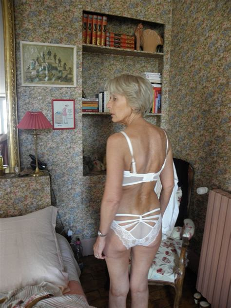 Nude Moms Francoise What An Elegant Slim Long Legged