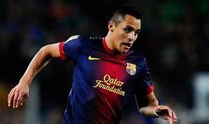 Barcelona great Johan Cruyff urges Alexis Sanchez to turn ...