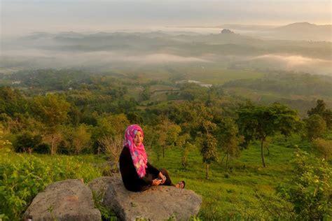 negeri atas angin indahnya puncak bukit cinta nova wijaya