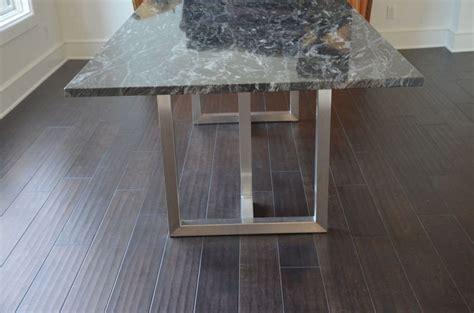 table  manger granit