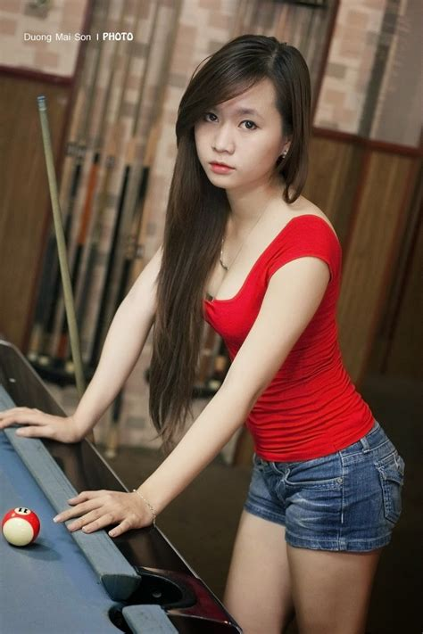 The Images Of A Vietnamese Sexy Girl To Play Billiards