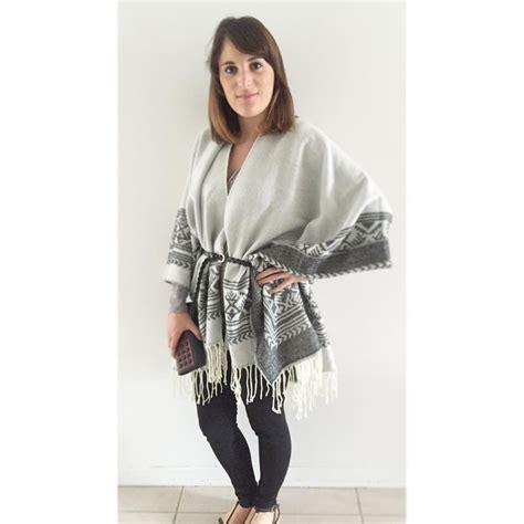 le foulard comment le porter en guise de manteau le cahier