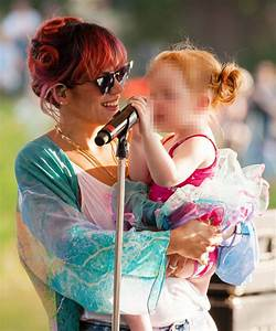 Lily Allen Performs On Stage With Daughter Ethel At Latitude