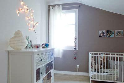 chambre bébé taupe et blanc deco chambre bebe blanc et taupe visuel 2