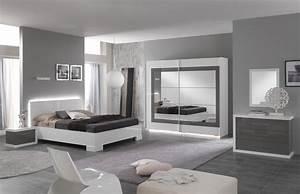 chambre adulte design laquee blanche et grise hanove With peindre des poutres en bois 2 8 photos de chambres avec poutres cate maison