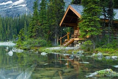 cabin by the lake 23 breathtaking forest fringed wood cabins amazing diy