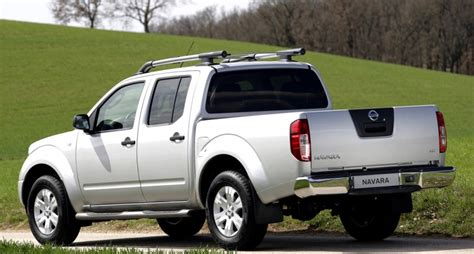 The nissan navara is packed full of features to support your work and play needs. Nissan Navara 2005 - 2009 reviews, technical data, prices