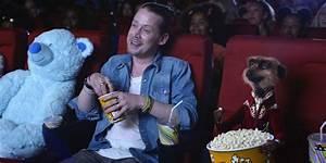 Watch Macaulay Culkin team up with the Meerkats in ...