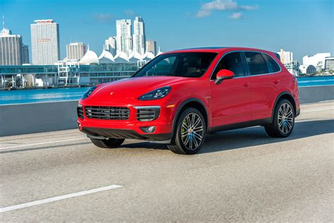 Porsche Cayenne Wallpaper by Porsche Cayenne Wallpapers Pictures Images