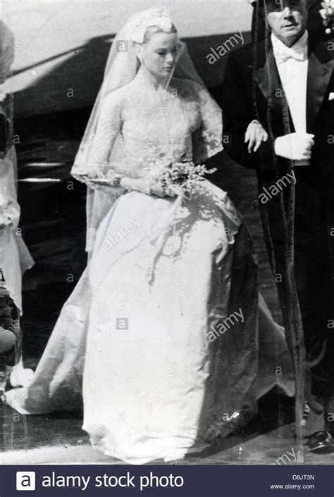 grace hochzeitskleid grace on wedding day to prince ranier of monaco