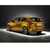2012 Ford Focus ST Gets Ready For Paris Motor Show
