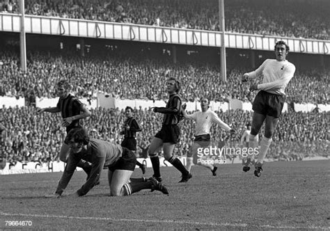 Football, English First Division, London, England, 26th ...