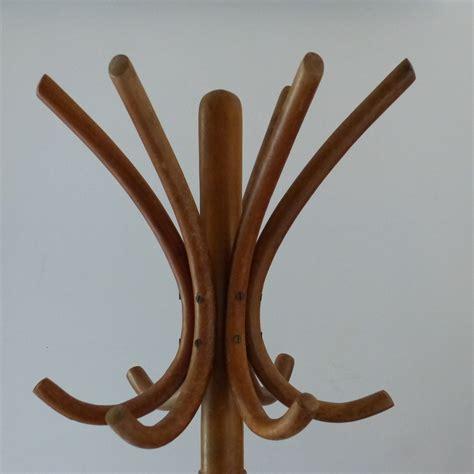 porte manteaux perroquet bois portemanteau perroquet en bois courb 233 lignedebrocante brocante en ligne chine pour vous