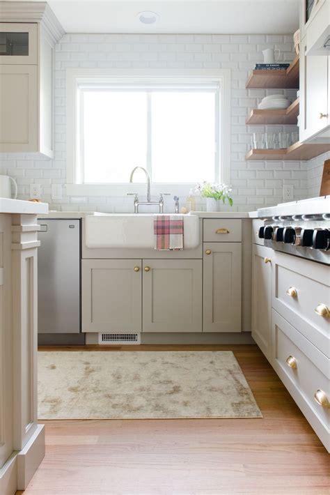 Kitchen  Evergreen Kitchen Cabinetry 2089 Oak Cupboard