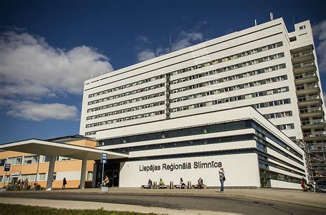 Liepājas reģionālās slimnīcas mediķi saņem VM atzinības ...