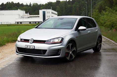 golf gti 7 performance fahrbericht vw golf 7 gti performance onemorelap der schnellste schweizer autoblog