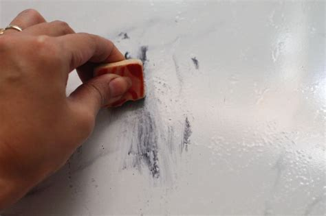 how to remove scuff marks from floors
