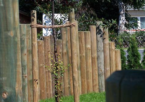 Palisaden Holz Sichtschutz  Nowaday Garden
