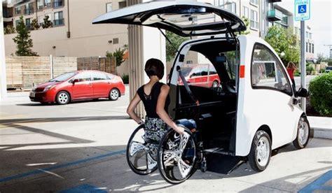 taxi pour personne en fauteuil roulant la kenguru la voiture urbaine adapt 233 e aux personnes en fauteuil