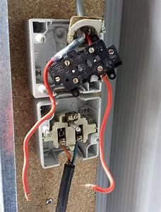 Branchement D Une Prise : conseils forum lectricit branchement d 39 un interrupteur ~ Dailycaller-alerts.com Idées de Décoration