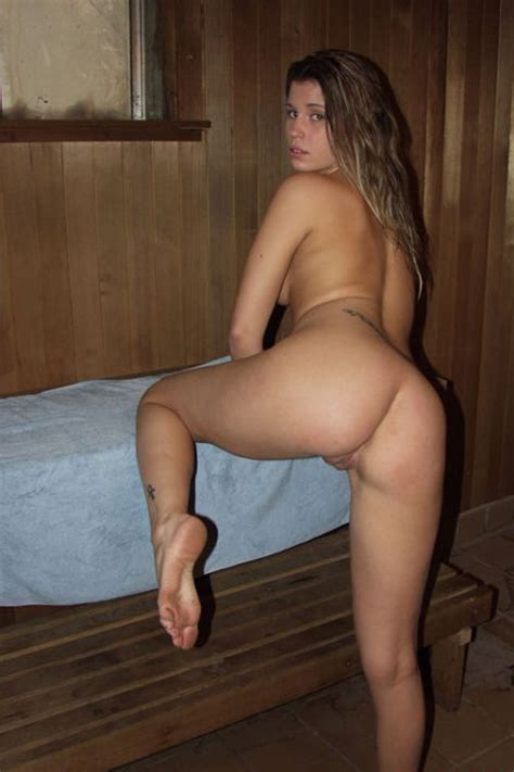 Nice Amateur Milf With Nice Ass At Sauna Russian Sexy Girls