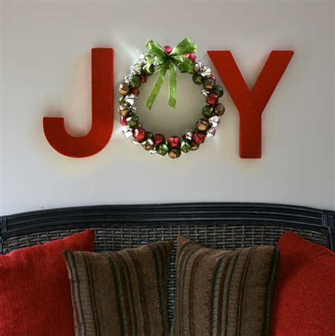 These abstract pieces of wall art focus on color contrast and texture. Up Mommy Creek: DIY Christmas Wall Art: Part 2