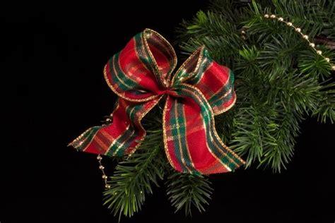 weihnachtsschleife mit schottenmuster rot gr 252 n