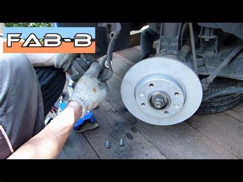 comment changer les plaquettes de frein arriere sur scenic 2 comment changer les disques et plaquettes de freins sur peugeot 206 1 4i