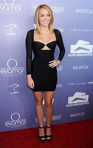 PICS Miley Cyrus In Revealing Little Black Dress NY
