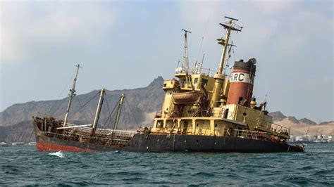 At a glance the aging fso safer holds 1.15 million barrels of oil off yemen's port city of hudaydah. Abandoned Freighter off Yemen Could Dump 1 Million Barrels of Oil into Red Sea   The Weather ...