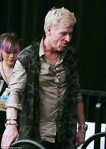 Jessica Simpson's father Joe displays bizarre behavior ...