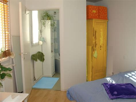 chambre t1 chambre avec salle de bain en enfilade photo de t1 bis