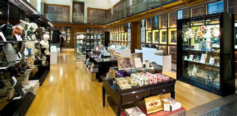 christmas shopping at the museum gift shope in richmond virginia museum gift shops