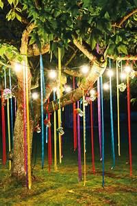 Guirlande Lumineuse Jardin : diy decoration de jardin a faire soi meme bandeaux multicolore de tissu guirlande lumineuse en ~ Melissatoandfro.com Idées de Décoration
