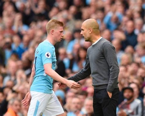 Premier League Title Race Between Manchester City And ...