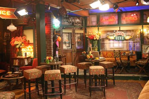 Central perk coffee shop nyc. Traveller Stories: TRAVEL TIDBITS: Friends' Central Perk ...