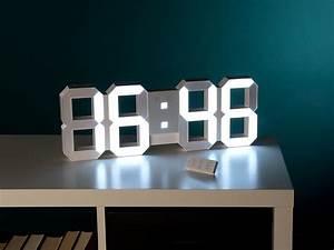 Led Uhr Wand : lunartec led uhr schlafzimmer digitale xxl led tisch wanduhr 45 cm dimmbar wecker ~ Whattoseeinmadrid.com Haus und Dekorationen