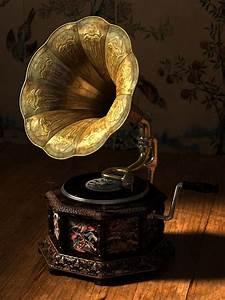 Happy Lemon: Old Record Player Render