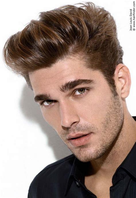Coiffure pour homme cheveux court