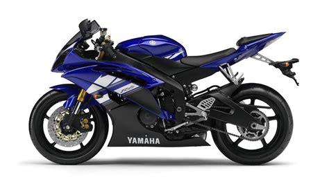 Yamaha R6 Review, Price, Photos