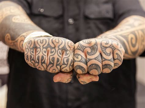love  hate tattooed   knuckles   hands