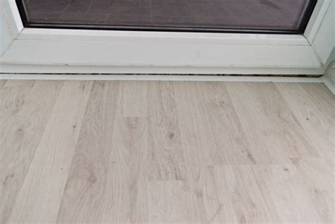 laminate flooring molding laminate flooring molding installation pictures to pin on pinterest pinsdaddy