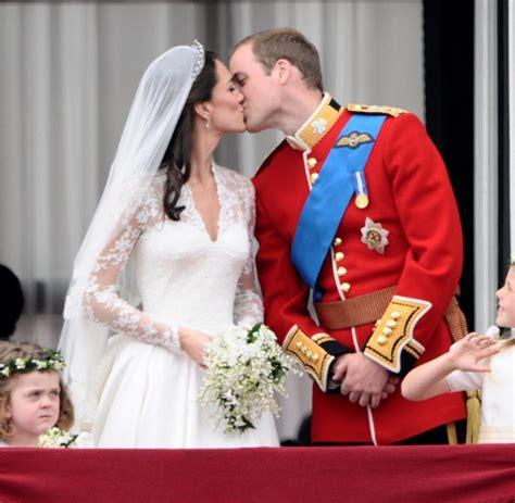 royal wedding  die koerpersprache von kate und william