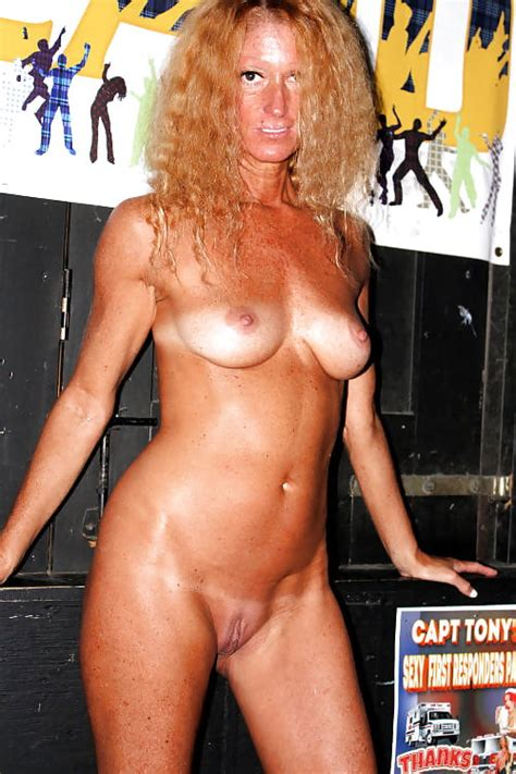 Mallary Flashing Hotwife 100 Pics