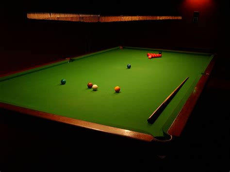 holy crapthats  snooker table    ivory