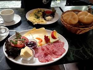 Frühstück Bestellen Köln : fr hst ck in k ln wir testen kaffeehaus am r merpark ~ A.2002-acura-tl-radio.info Haus und Dekorationen