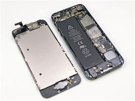 apple extends iphone  battery replacement program