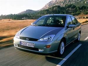 Ford Focus 1 : ford focus 4 doors specs photos 1999 2000 2001 ~ Melissatoandfro.com Idées de Décoration