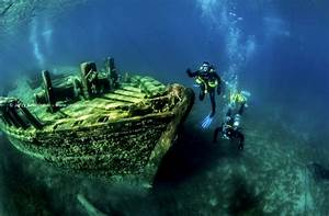 Scuba Diving Fathom Five National Marine Park Tobermory